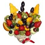 Съедобная композиция из фруктов